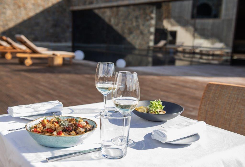 Monverde - Dinner by the Pool